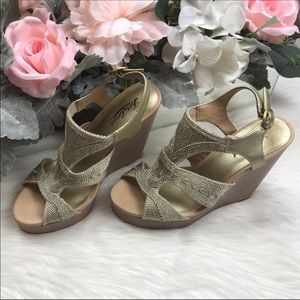 Lucky Brand Gold Cord Cut Out Wedges Size 9 EUC